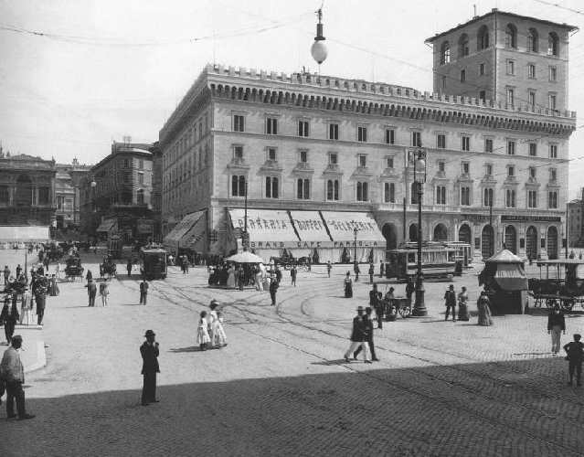 Old photograph of Piazza Venezia, Rome