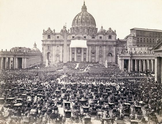 Old photograph of St Peter's Square, Rome